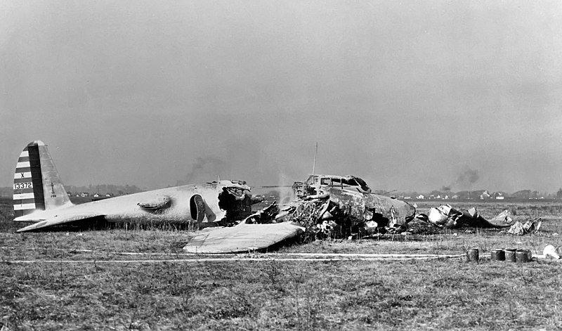 Разбившийся самолет Boeing B-17